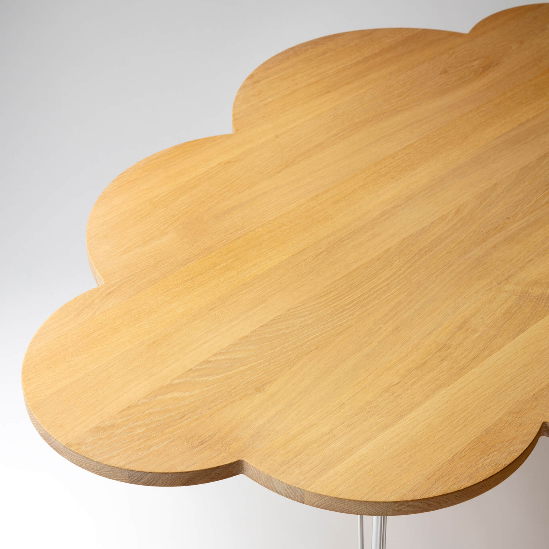 The Cloud Table – coffee table – oak top – Molnbordet