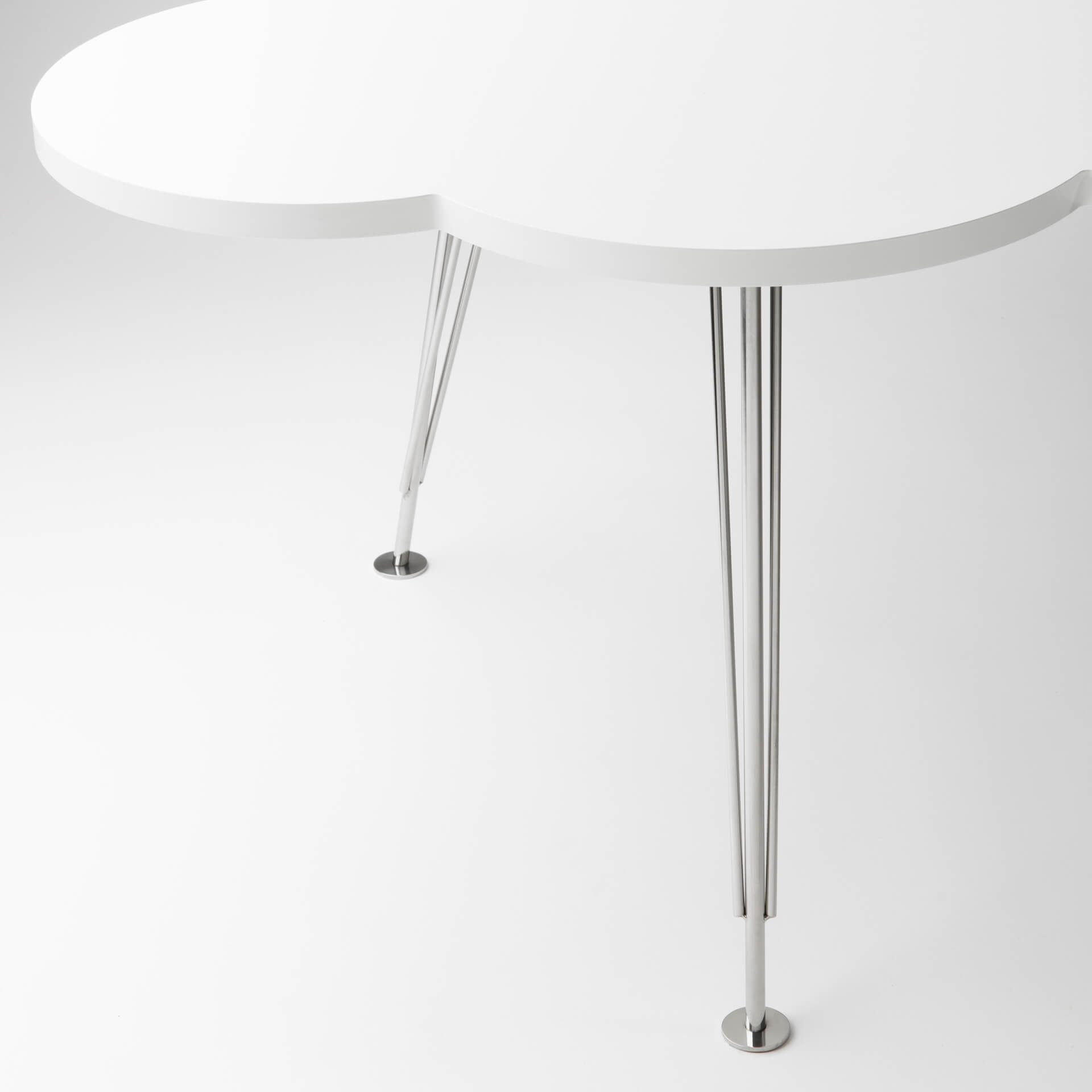 The Cloud Table – coffee table – white – steel legs – Molnbordet